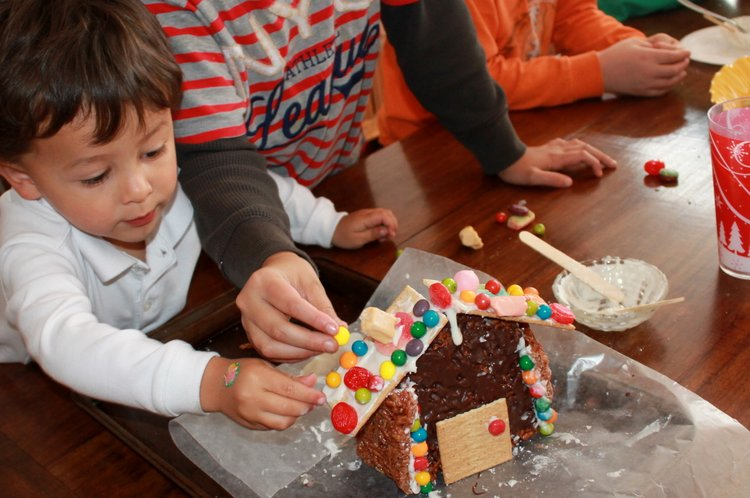 easy gingerbread house instructions