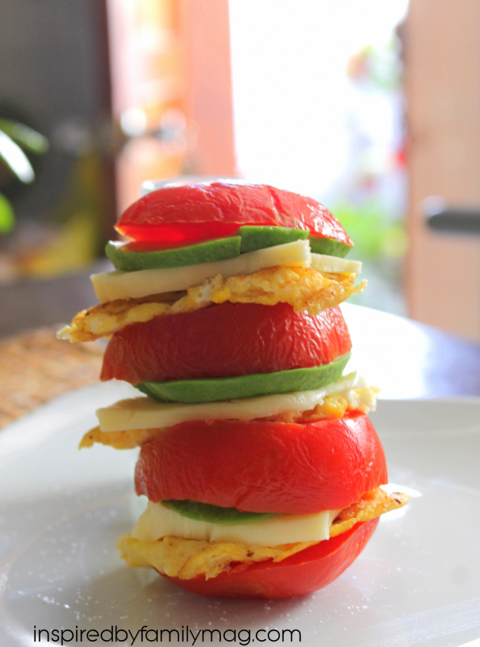 ... . Doesn't this Egg, Tomato and Avocado Sandwich look scrumptious
