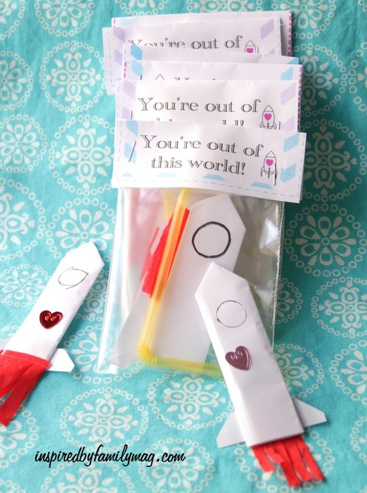 build your own paper rocket