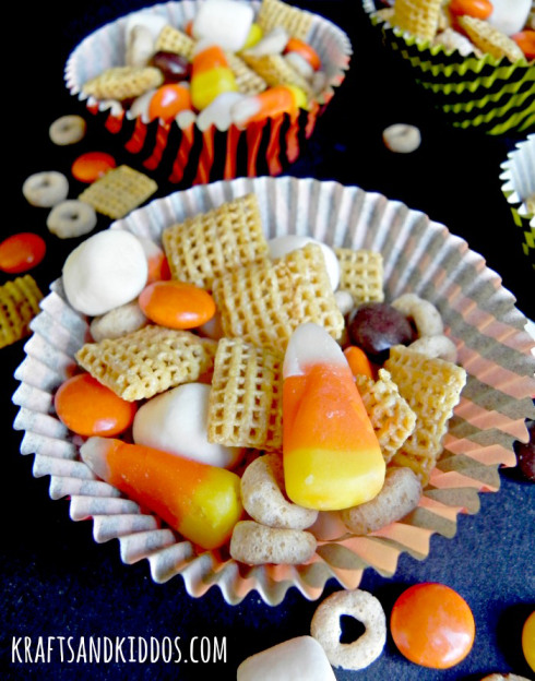Halloween-Trail-Mix-2