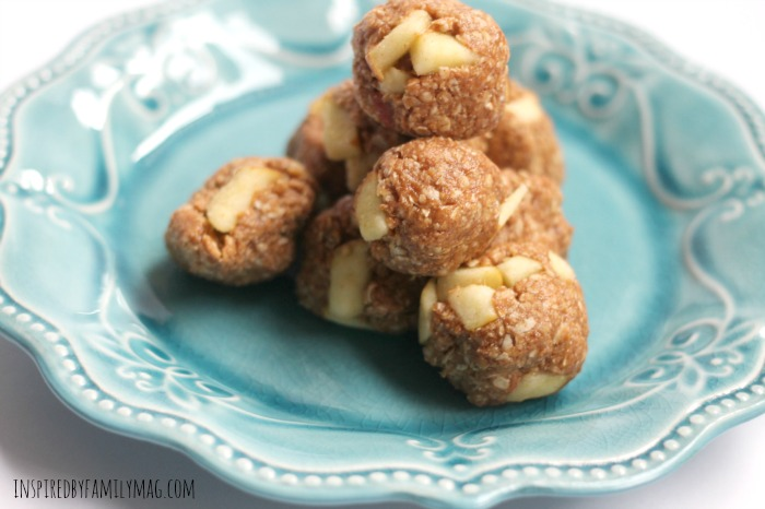 apple cinnamon protein balls